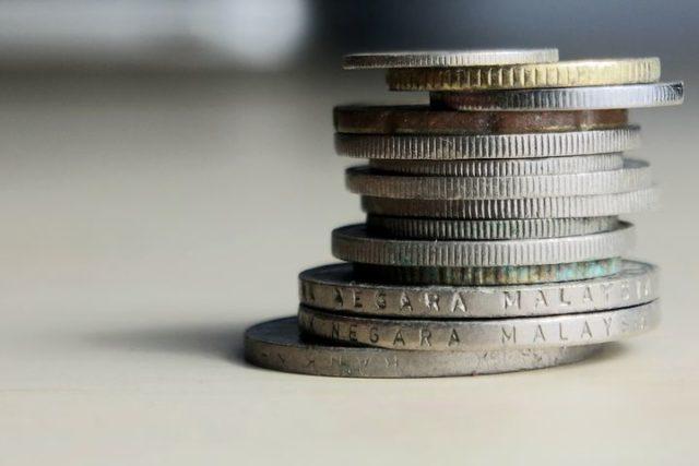 サラリーマンの副業で投資信託は稼げるの?