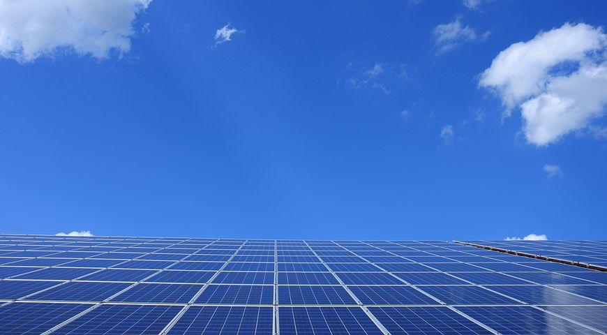 サラリーマンの副業投資で太陽光発電は稼げるの?